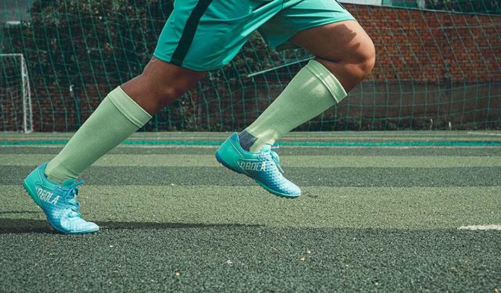 Những sai lầm khi chọn giày đá bóng sân cỏ nhân tạo