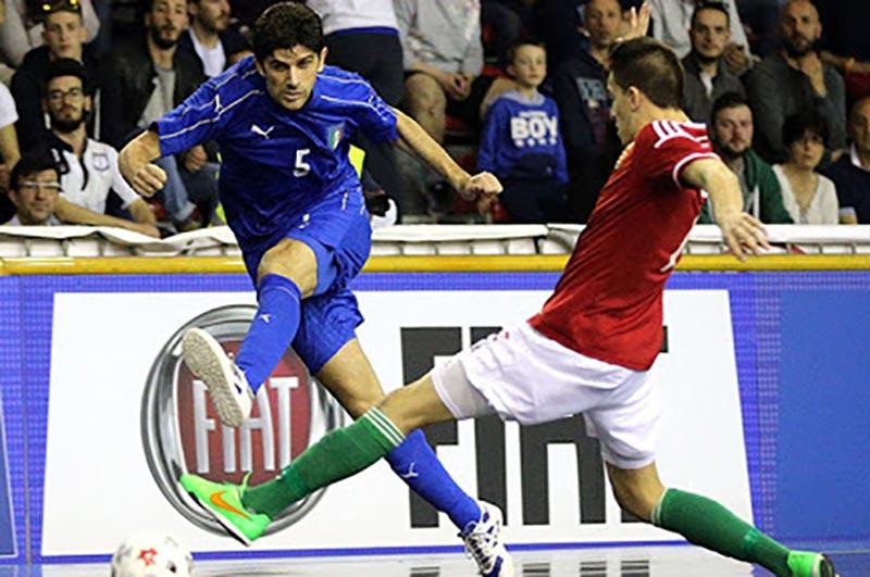 Chích mũi giày là một vũ khí săn bàn cực kì hiệu quả trong Futsal