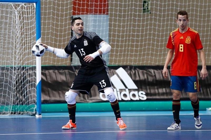 Thủ môn Futsal thường sẽ có rất nhiều pha ném bóng phát động tấn công