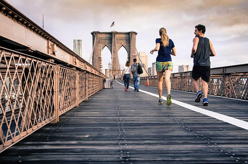 Chạy bộ giúp bận kiểm soát được cân nặng