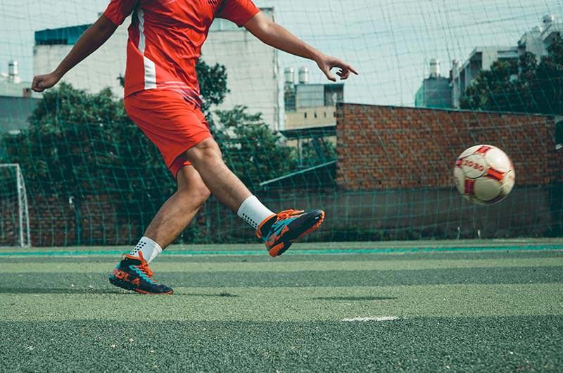 Giày cổ cao không thể giúp bạn tránh được chấn thương lật cổ chân