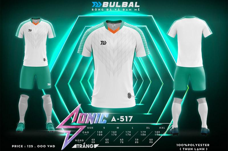 Quần áo bóng đá không logo đầy cá tính