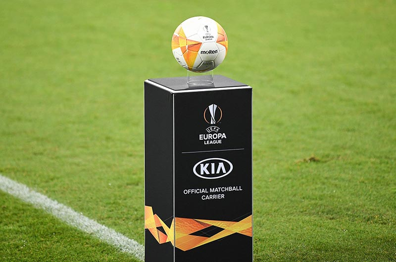 Quả bóng đá Molten UEFA Europa League 2020/21 có nhiều phiên bản khác nhau