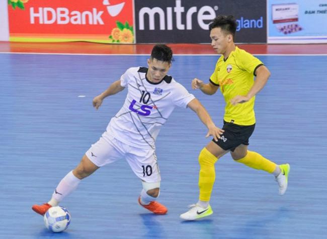 Kỹ thuật bóng đá Futsal 5 người Vỗ