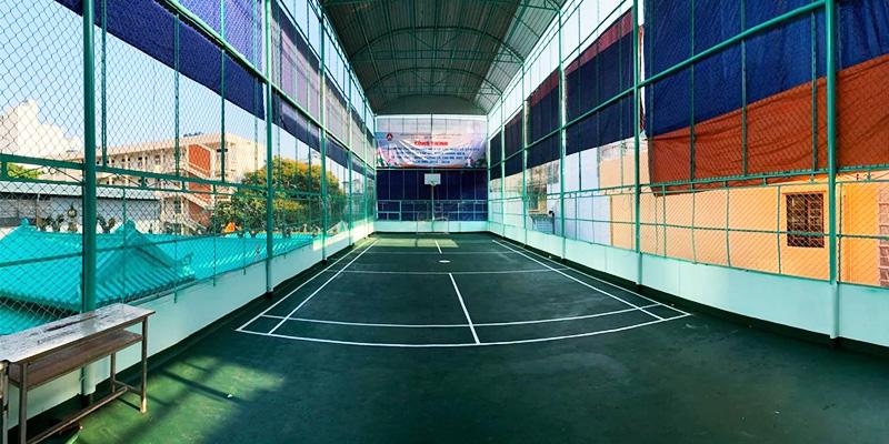 Sân bóng rổ THPT Trần Hữu Trang