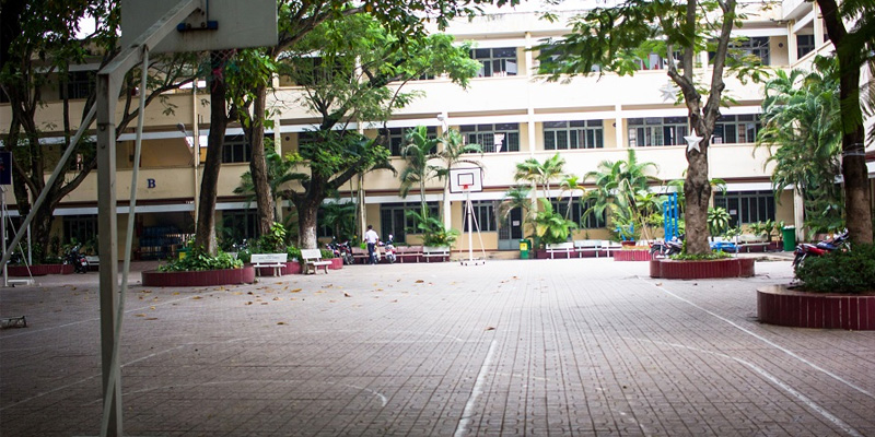 Sân bóng rổ trường cấp 3 Nguyễn Công Trứ