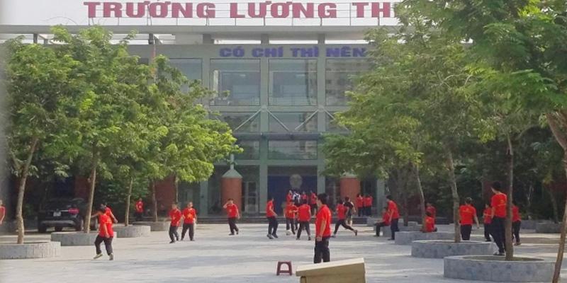 Sân bóng rổ trường THPT Lương Thế Vinh