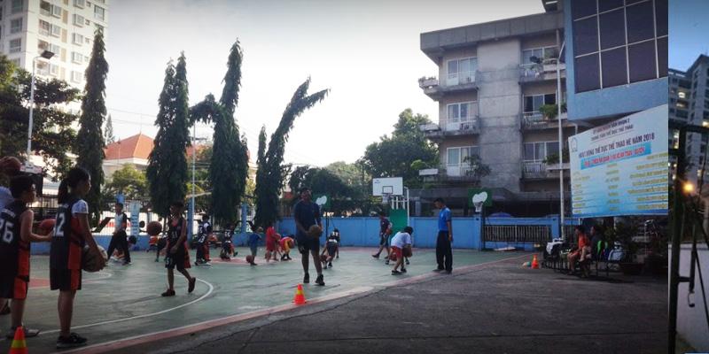 Sân bóng rổ Trung Tâm Thể Dục Thể Thao Q.2
